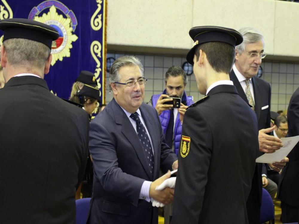 El Ministro del Interior dirige una carta a todos los policías y guardias civiles., ACOPOL